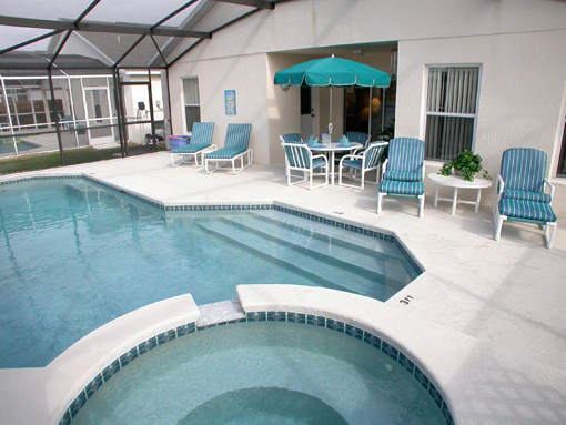 Jacuzzi Woonkamer : Private Heated Swimming Pool & Jacuzzi.